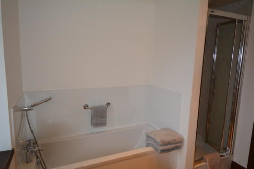 complete with modern bath